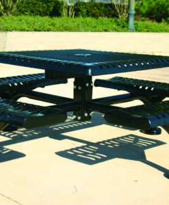 Classic Picnic Table - Sqaure - WEB