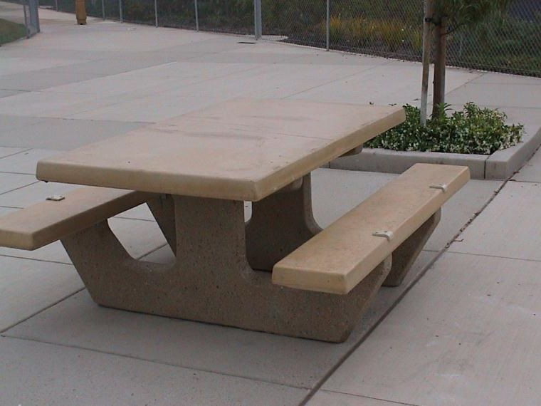 skateboard deterrent for concrete with a 1 2 radius edge fr05